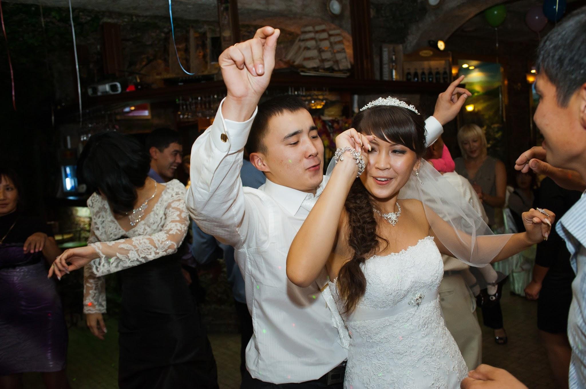 Фото девушек со свадьбы с дружкой 7 фотография