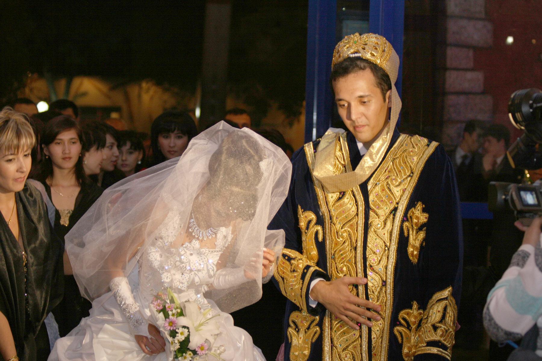 Смотреть первое брачное ночь узбечки 5 фотография