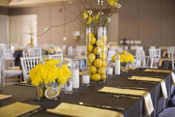 Банкетный зал в желтом цвете