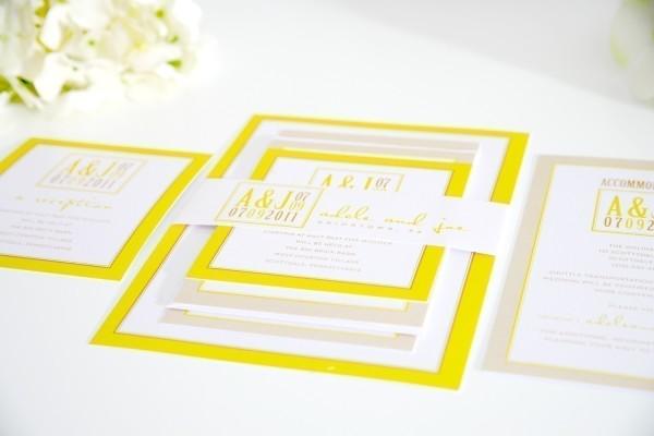 Свадебные желтые пригласительные