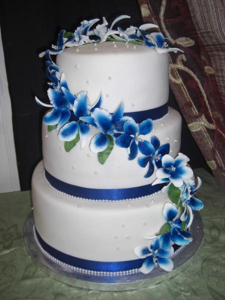 синий торт на свадьбу