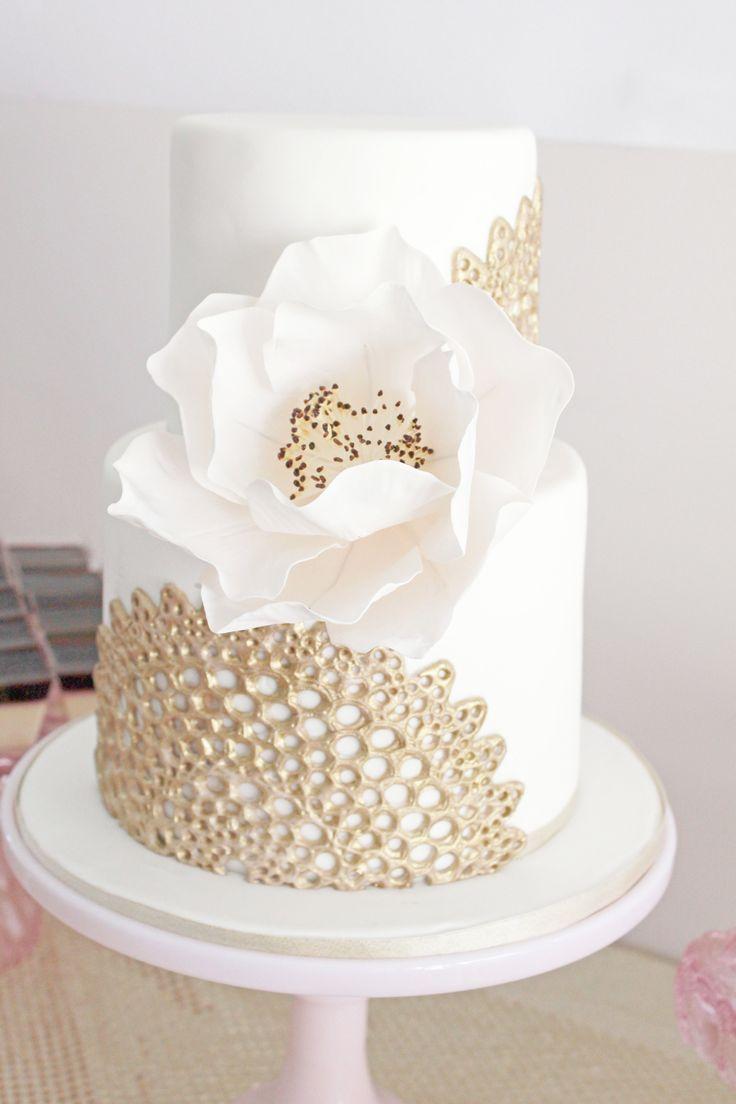 Торт с золотым кружевом